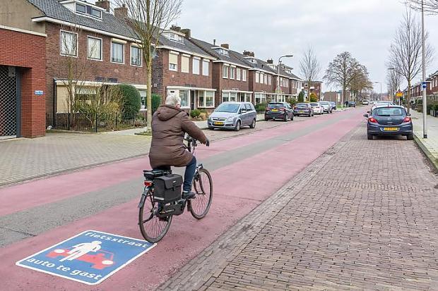 Afbeeldingsresultaat voor fietsstraat enschede